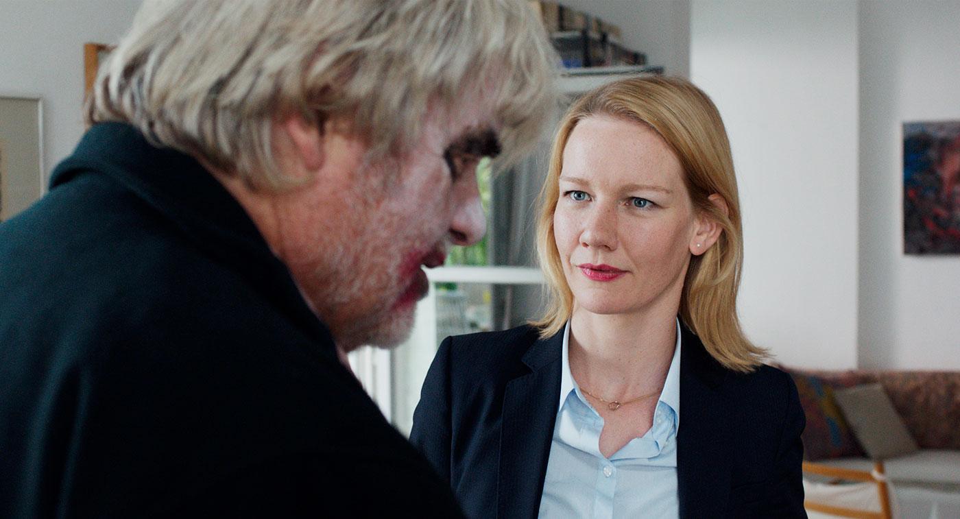 [Crítica] Toni Erdmann: Una brillante comedia, tan